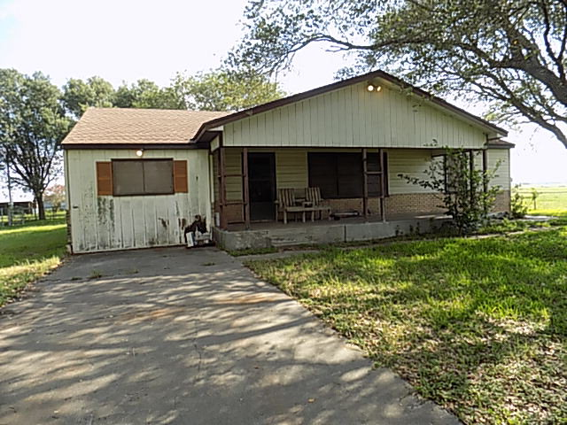 Photo of 237 Midway  Goliad  TX