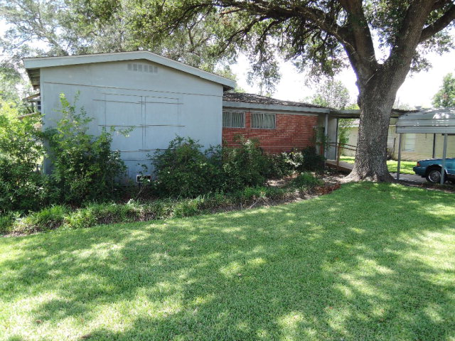 Photo of 109 Lariat Ln  Victoria  TX