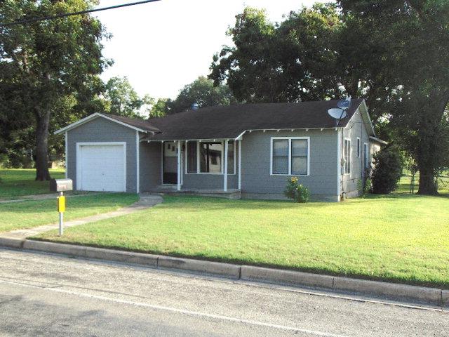 Photo of 1309 Ave E  Shiner  TX