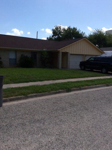 Photo of 104 CHESAPEAKE  Victoria  TX