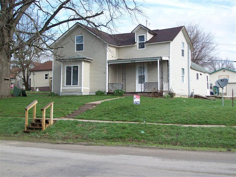 302 N Railroad St, Ainsworth, IA 52201