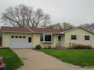 729 S 10th Ave, Washington, IA 52353