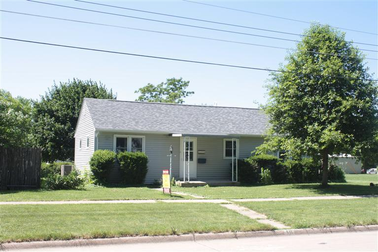 511 W 3rd St, Washington, IA 52353