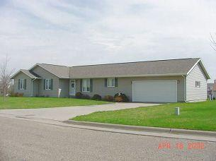 804 S 14th Ave, Washington, IA 52353