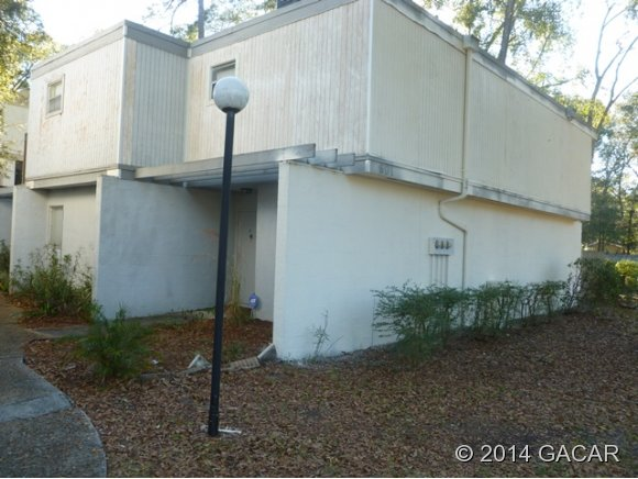 Single Family Home for Sale, ListingId:35861018, location: 601 SW 75th Street #101-2 Gainesville 32607
