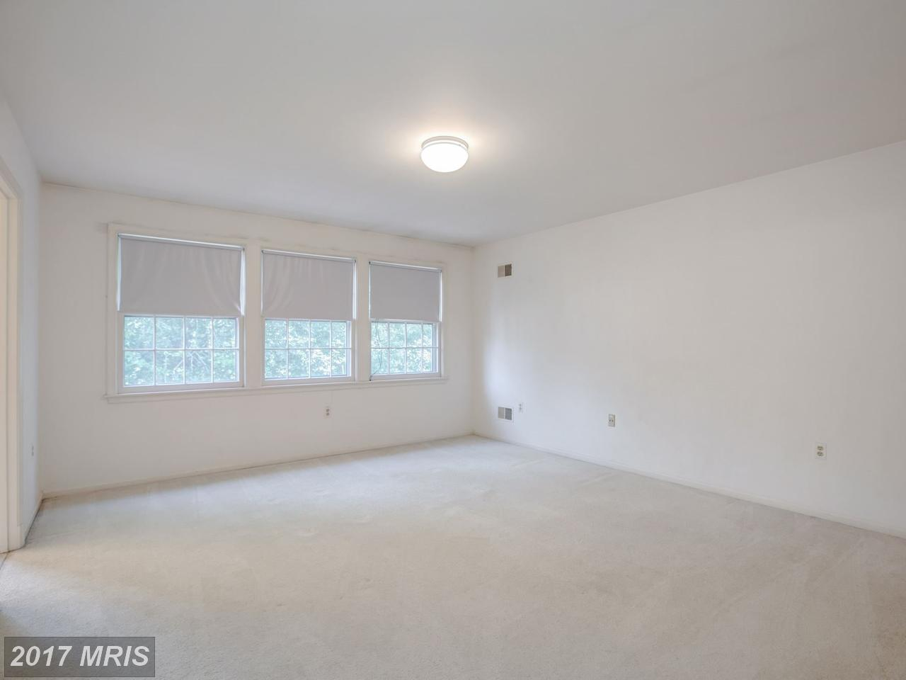 Additional photo for property listing at Colonial, Detached - WASHINGTON, DC 5149 YUMA ST NW Washington, District Of Columbia,20016 Verenigde Staten