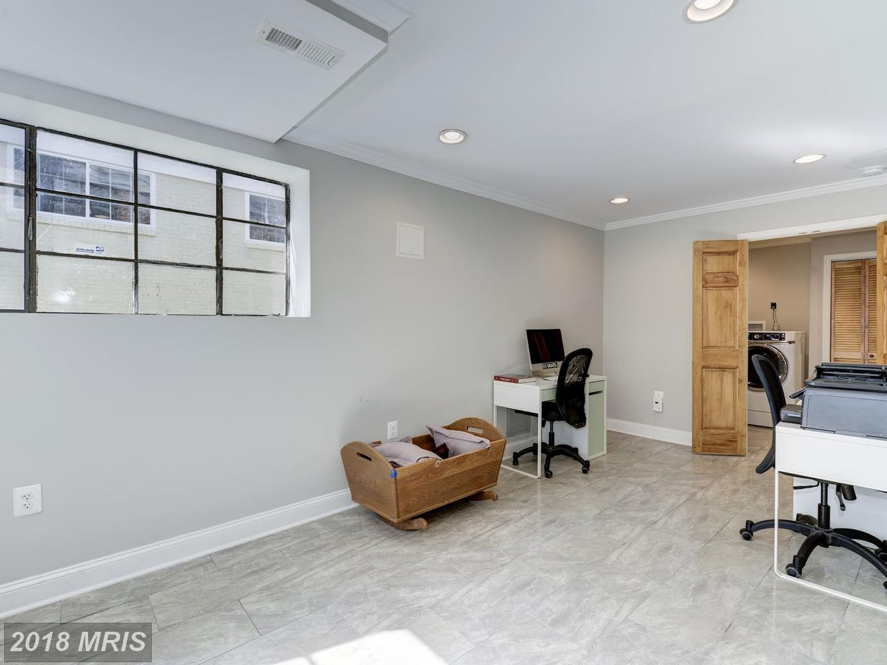 Additional photo for property listing at Rambler, Detached - WASHINGTON, DC 7225 WESTERN AVE NW Washington, District Of Columbia,20015 Vereinigte Staaten