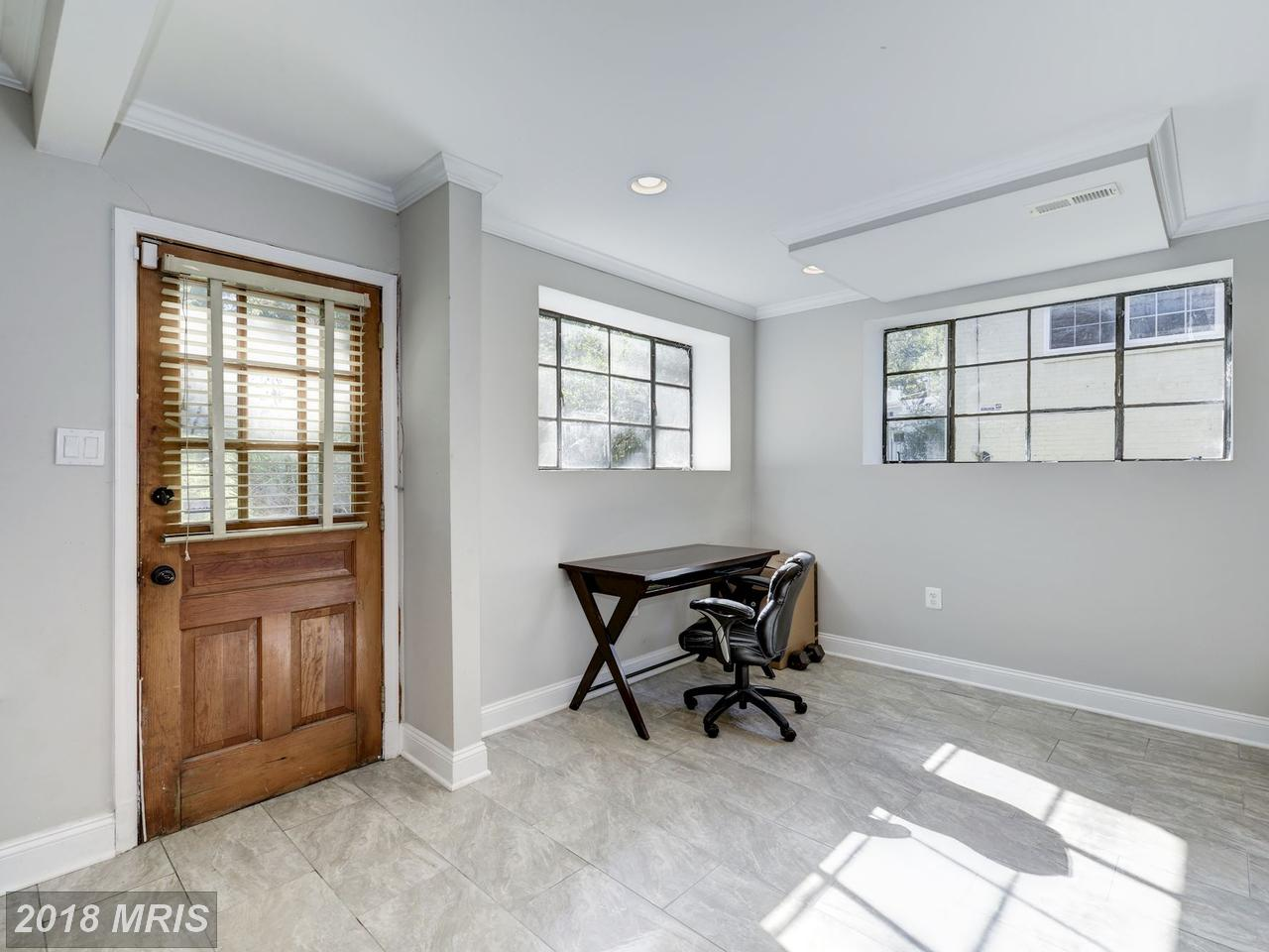 Additional photo for property listing at Rambler, Detached - WASHINGTON, DC 7225 WESTERN AVE NW Washington, District Of Columbia,20015 Verenigde Staten