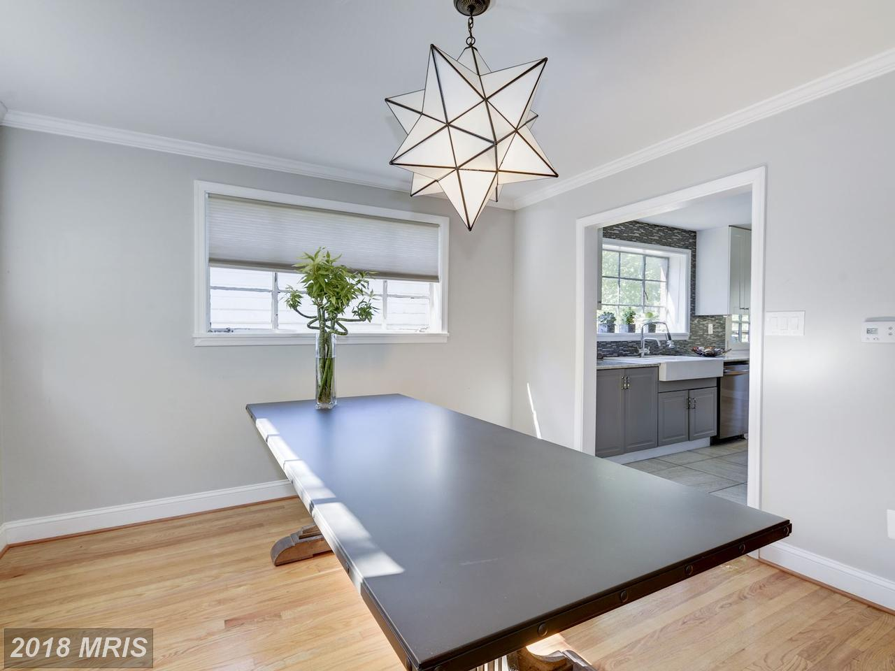 Additional photo for property listing at Rambler, Detached - WASHINGTON, DC 7225 WESTERN AVE NW Washington, Distrito De Columbia,20015 Estados Unidos