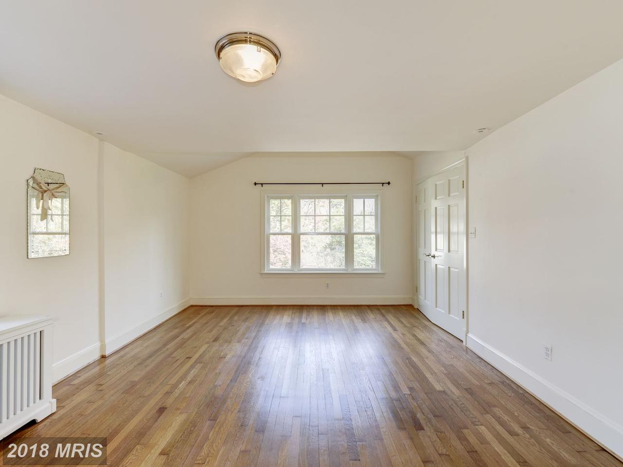 Additional photo for property listing at Colonial, Detached - WASHINGTON, DC 6323 UTAH AVE NW Washington, 컬럼비아주,20015 미국
