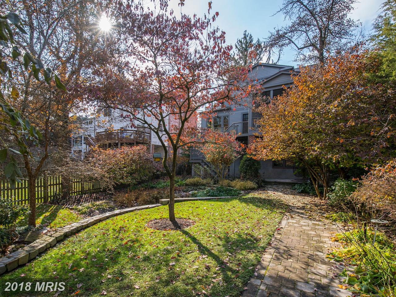 Additional photo for property listing at Colonial, Detached - WASHINGTON, DC 6323 UTAH AVE NW Washington, Distrito De Columbia,20015 Estados Unidos