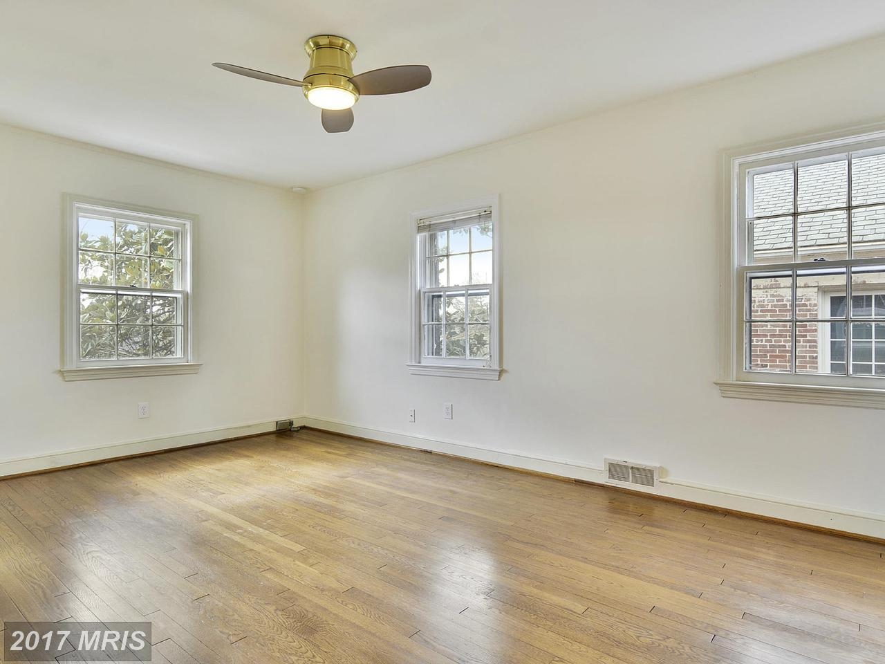 Additional photo for property listing at Federal, Detached - WASHINGTON, DC 4741 RESERVOIR RD NW Washington, Distrito De Columbia,20007 Estados Unidos