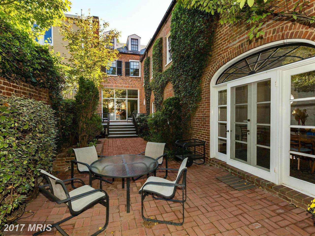 Additional photo for property listing at Federal, Semi-Detached - WASHINGTON, DC 1308 29TH ST NW Washington, District De Columbia,20007 États-Unis