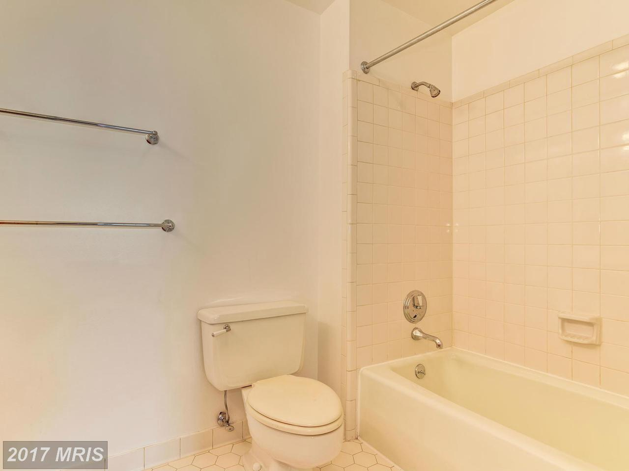 Additional photo for property listing at Colonial, Attach/Row Hse - WASHINGTON, DC 4211 48TH PL NW Washington, District Of Columbia,20016 United States