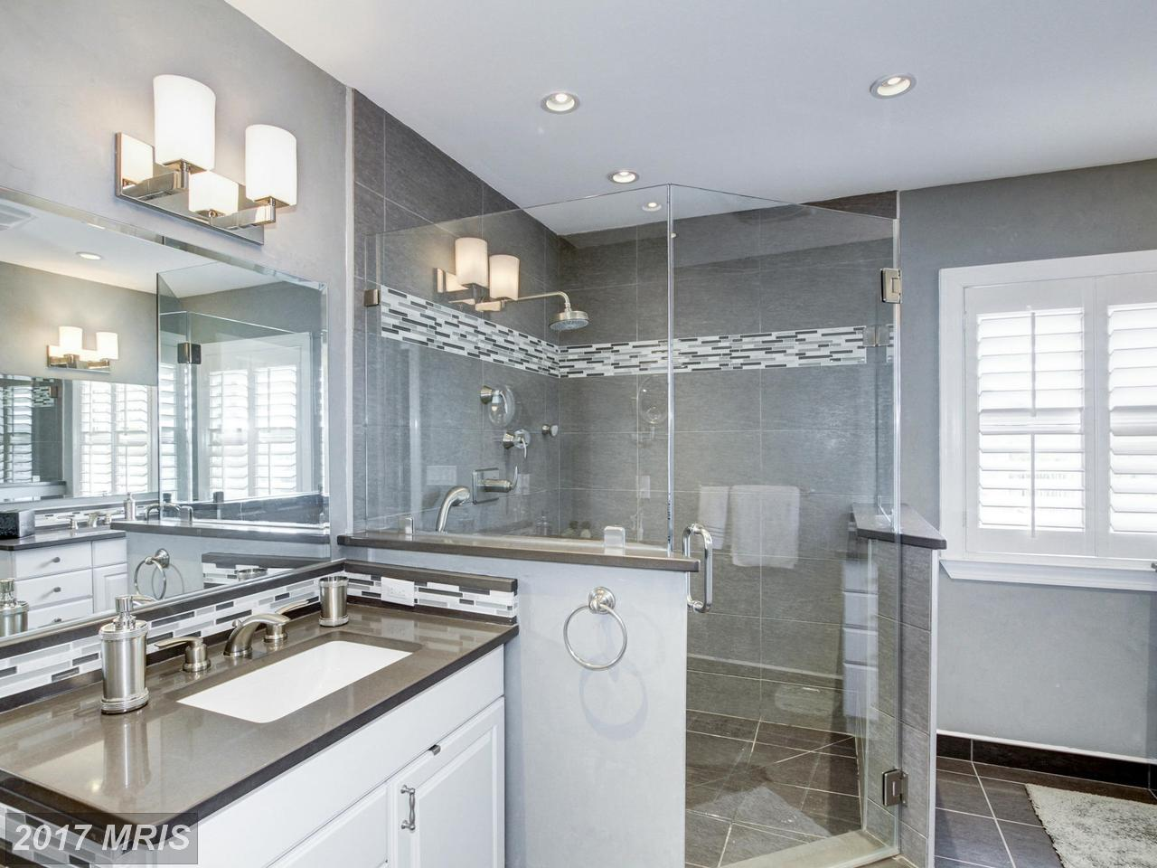 Additional photo for property listing at Detached, International - WASHINGTON, DC 4662 CHARLESTON TER NW Washington, District Of Columbia,20007 United States