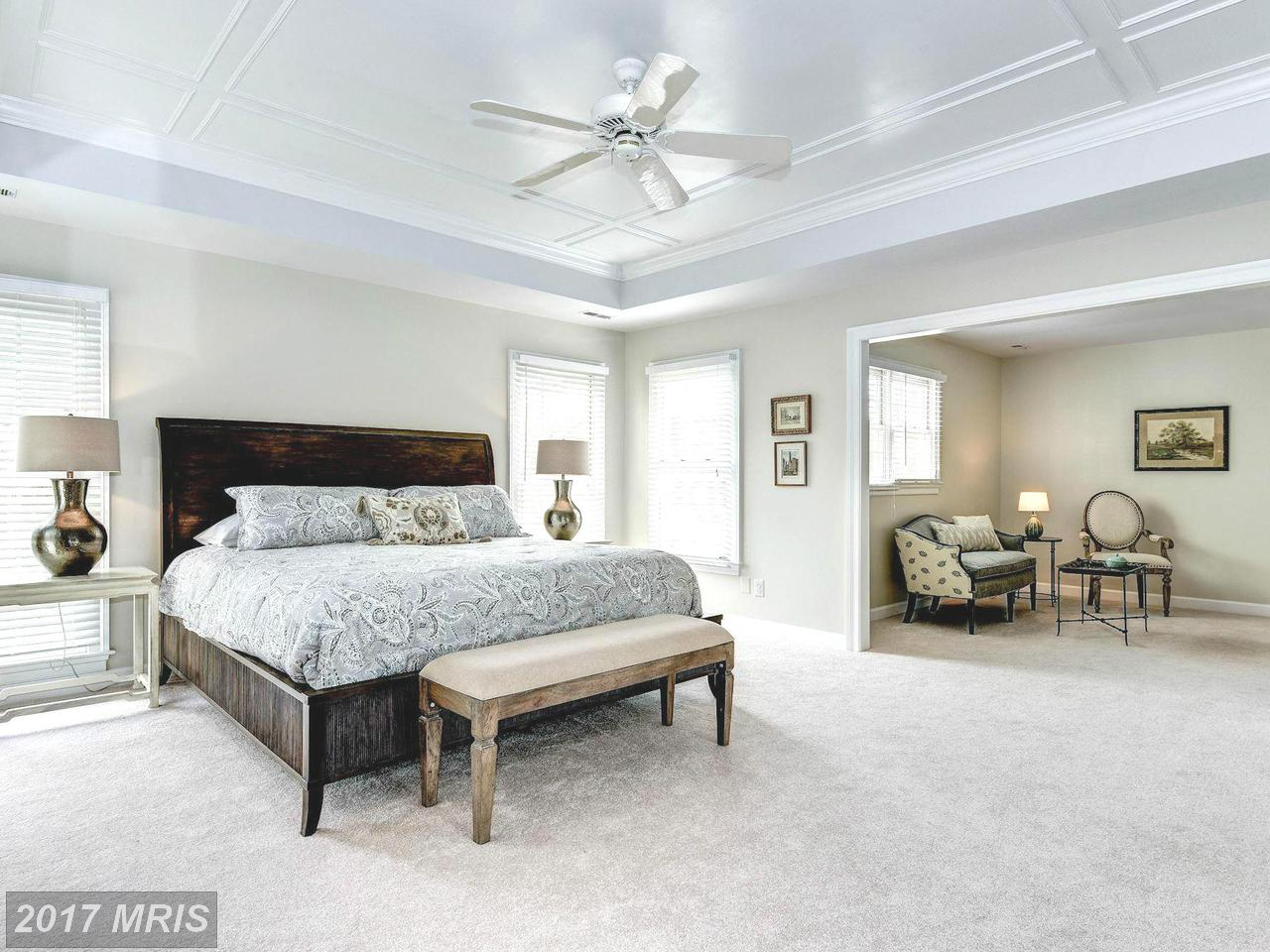 Additional photo for property listing at Colonial, Detached - MCLEAN, VA 1423 MAYHURST BLVD McLean, Виргиния,22102 Соединенные Штаты
