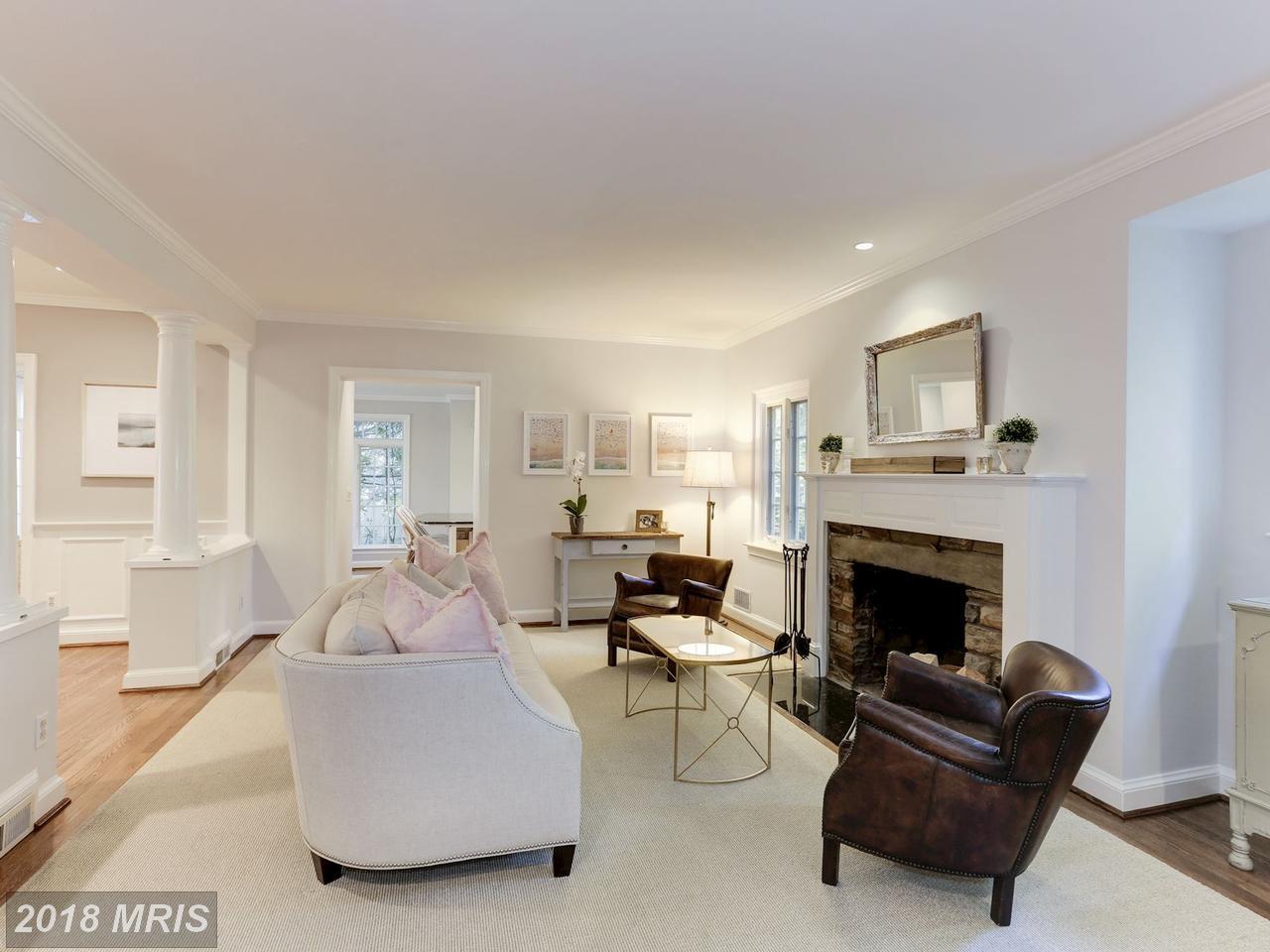 Additional photo for property listing at Tudor, Detached - BETHESDA, MD 8012 HAMPDEN LN Bethesda, Maryland,20814 United States