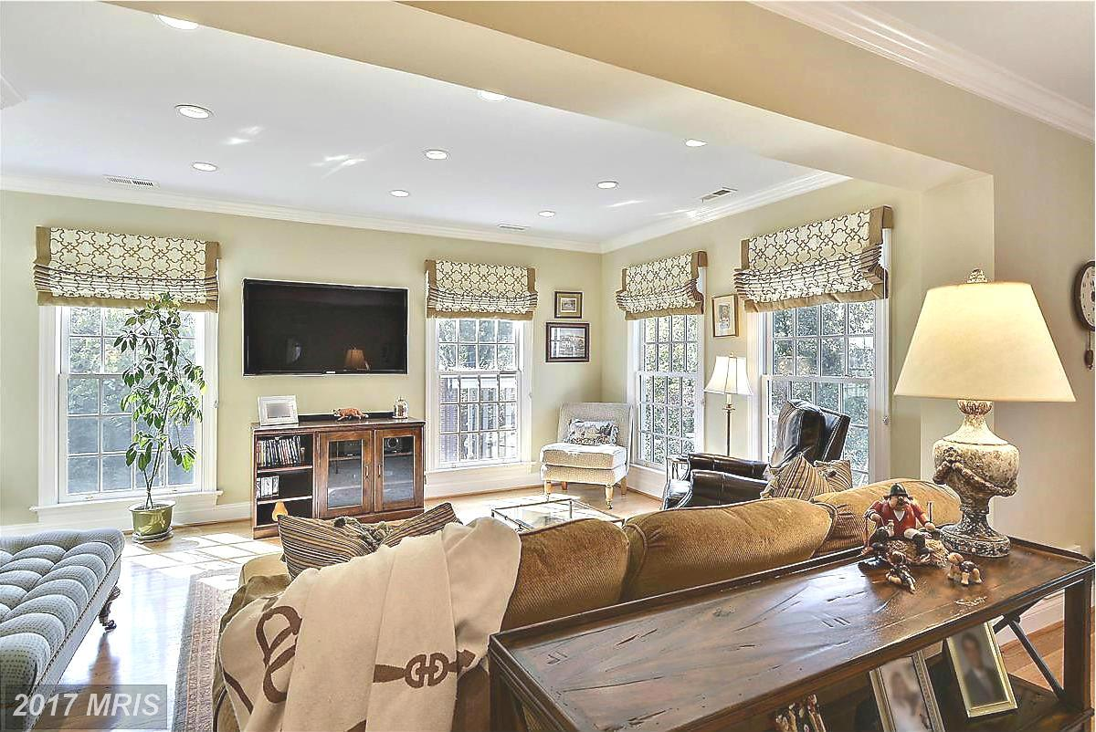 Additional photo for property listing at Colonial, Detached - BETHESDA, MD 6609 RADNOR RD Bethesda, Maryland,20817 Amerika Birleşik Devletleri