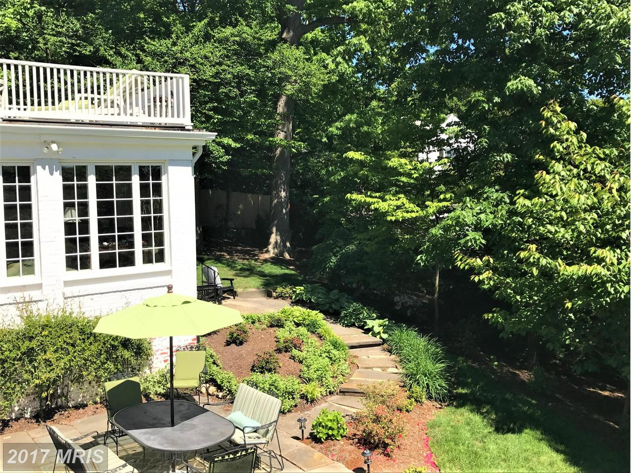 Additional photo for property listing at Colonial, Detached - BETHESDA, MD 6609 RADNOR RD Bethesda, Maryland,20817 Verenigde Staten