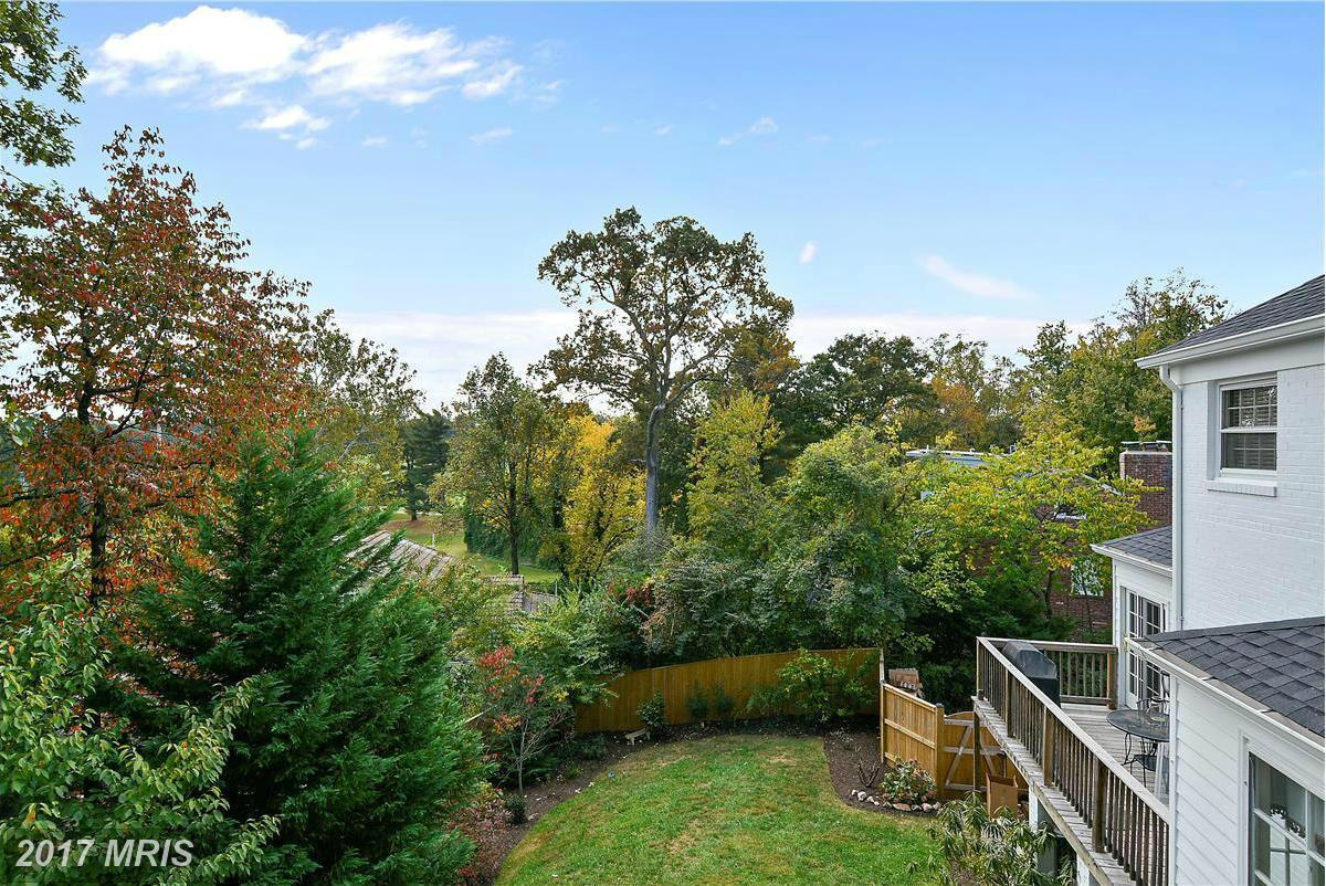 Additional photo for property listing at Colonial, Detached - BETHESDA, MD 6609 RADNOR RD Bethesda, Maryland,20817 Estados Unidos