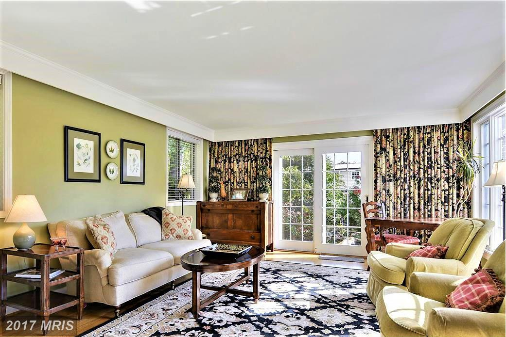 Additional photo for property listing at Colonial, Detached - BETHESDA, MD 6609 RADNOR RD Bethesda, Maryland,20817 Hoa Kỳ