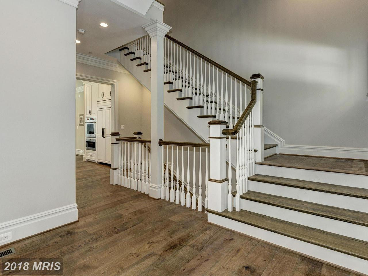 Additional photo for property listing at Manor, Detached - BETHESDA, MD 9117 BURDETTE RD Bethesda, Maryland,20817 États-Unis