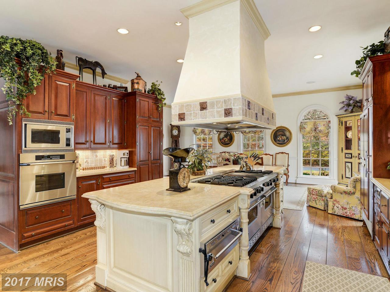 Additional photo for property listing at Colonial, Detached - DARNESTOWN, MD 13308 MANOR STONE DR Darnestown, Maryland,20874 United States
