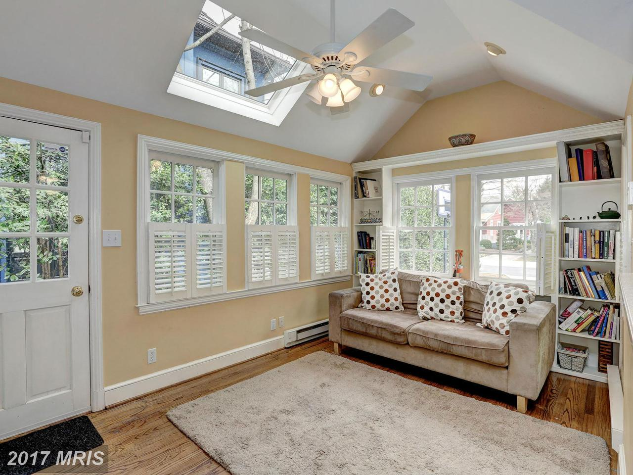 Additional photo for property listing at Colonial, Detached - BETHESDA, MD 7802 FAIRFAX RD Bethesda, Maryland,20814 United States