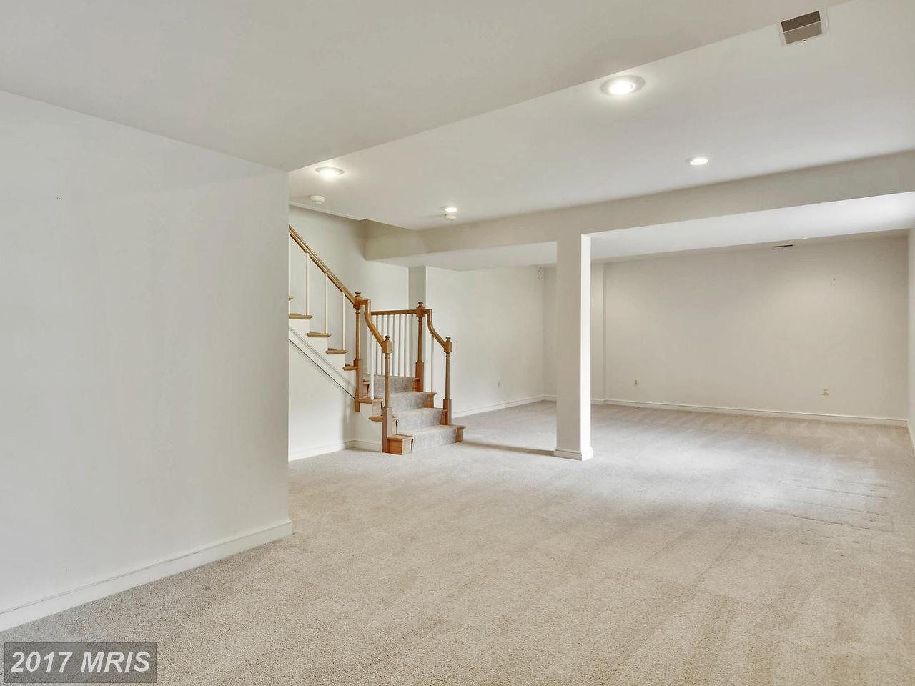 Additional photo for property listing at Colonial, Detached - POTOMAC, MD 10904 PLEASANT HILL DR Potomac, Maryland,20854 Hoa Kỳ