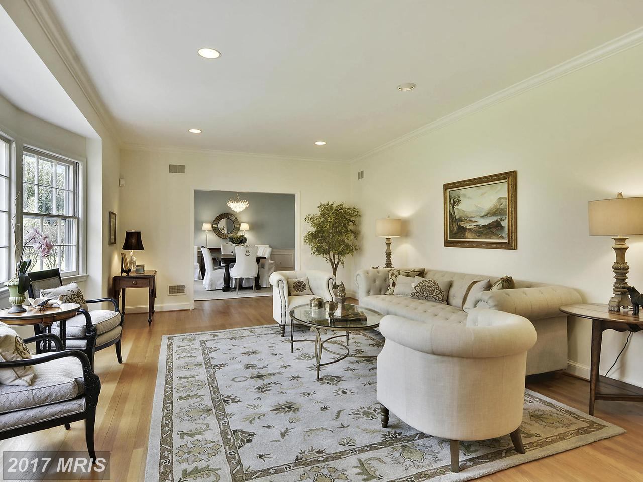 Additional photo for property listing at Colonial, Detached - POTOMAC, MD 10904 PLEASANT HILL DR Potomac, Maryland,20854 États-Unis