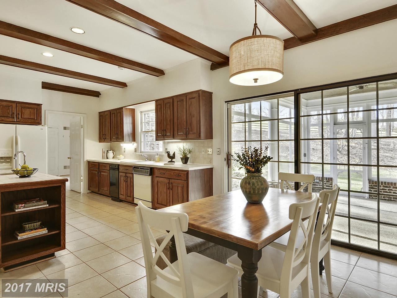 Additional photo for property listing at Colonial, Detached - POTOMAC, MD 10904 PLEASANT HILL DR Potomac, Maryland,20854 Vereinigte Staaten