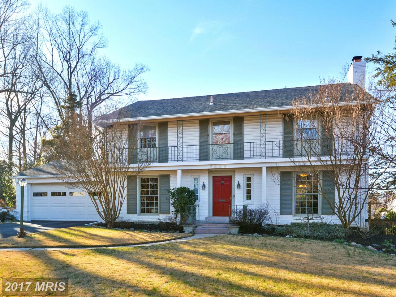 Maison unifamiliale pour l Vente à Colonial, Detached - BETHESDA, MD 5609 BEAM CT Bethesda, Maryland,20817 États-Unis