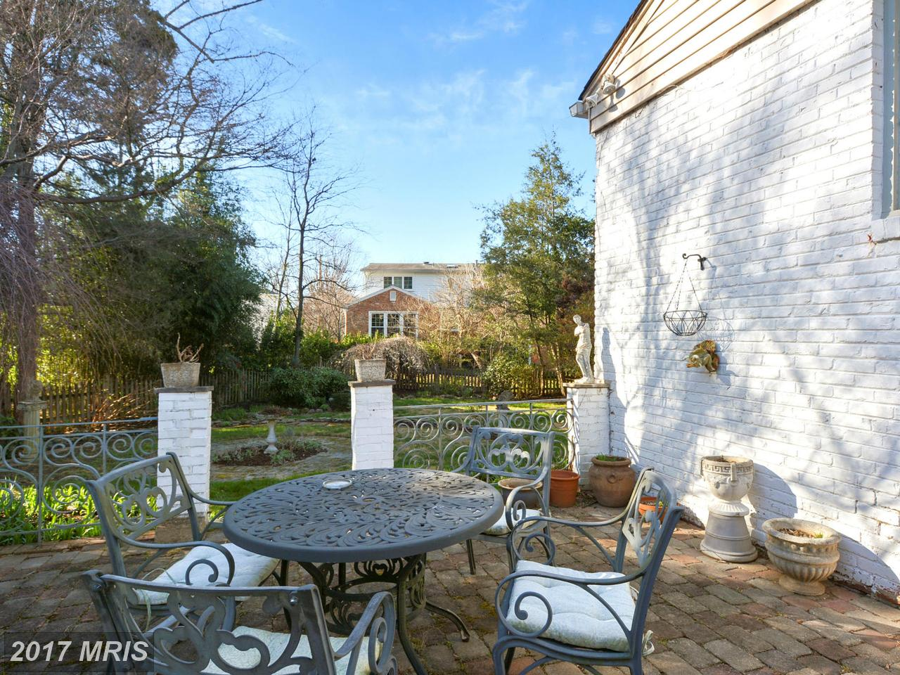 Additional photo for property listing at Colonial, Detached - BETHESDA, MD 5609 BEAM CT Bethesda, Maryland,20817 Stati Uniti