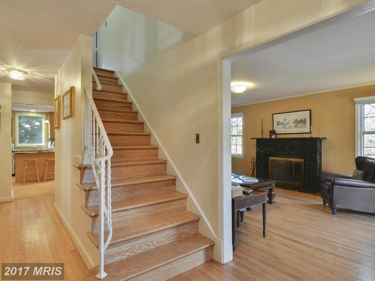 Additional photo for property listing at Colonial, Detached - BETHESDA, MD 5609 BEAM CT Bethesda, Maryland,20817 Estados Unidos