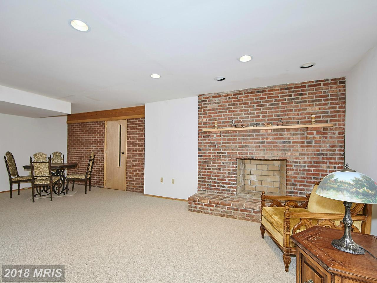 Additional photo for property listing at Colonial, Detached - POTOMAC, MD 10505 WHITE CLOVER TER Potomac, Maryland,20854 Vereinigte Staaten