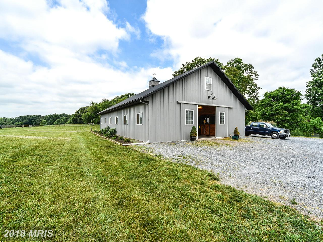 Additional photo for property listing at Arts & Crafts, Detached - POOLESVILLE, MD 18900 BEALLSVILLE RD Poolesville, Maryland,20837 Verenigde Staten