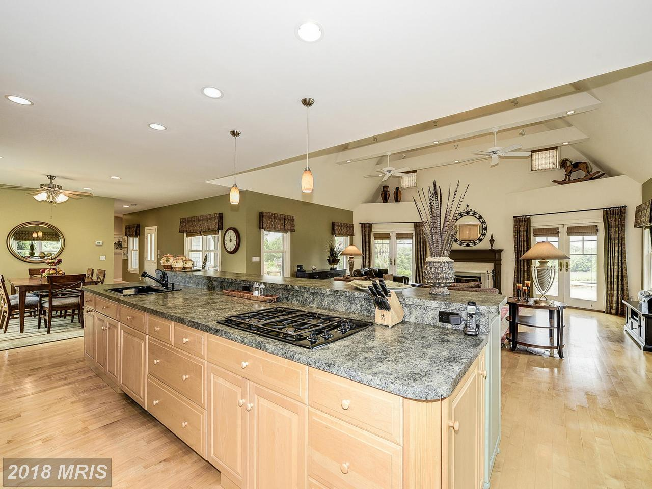 Additional photo for property listing at Arts & Crafts, Detached - POOLESVILLE, MD 18900 BEALLSVILLE RD Poolesville, Maryland,20837 Vereinigte Staaten