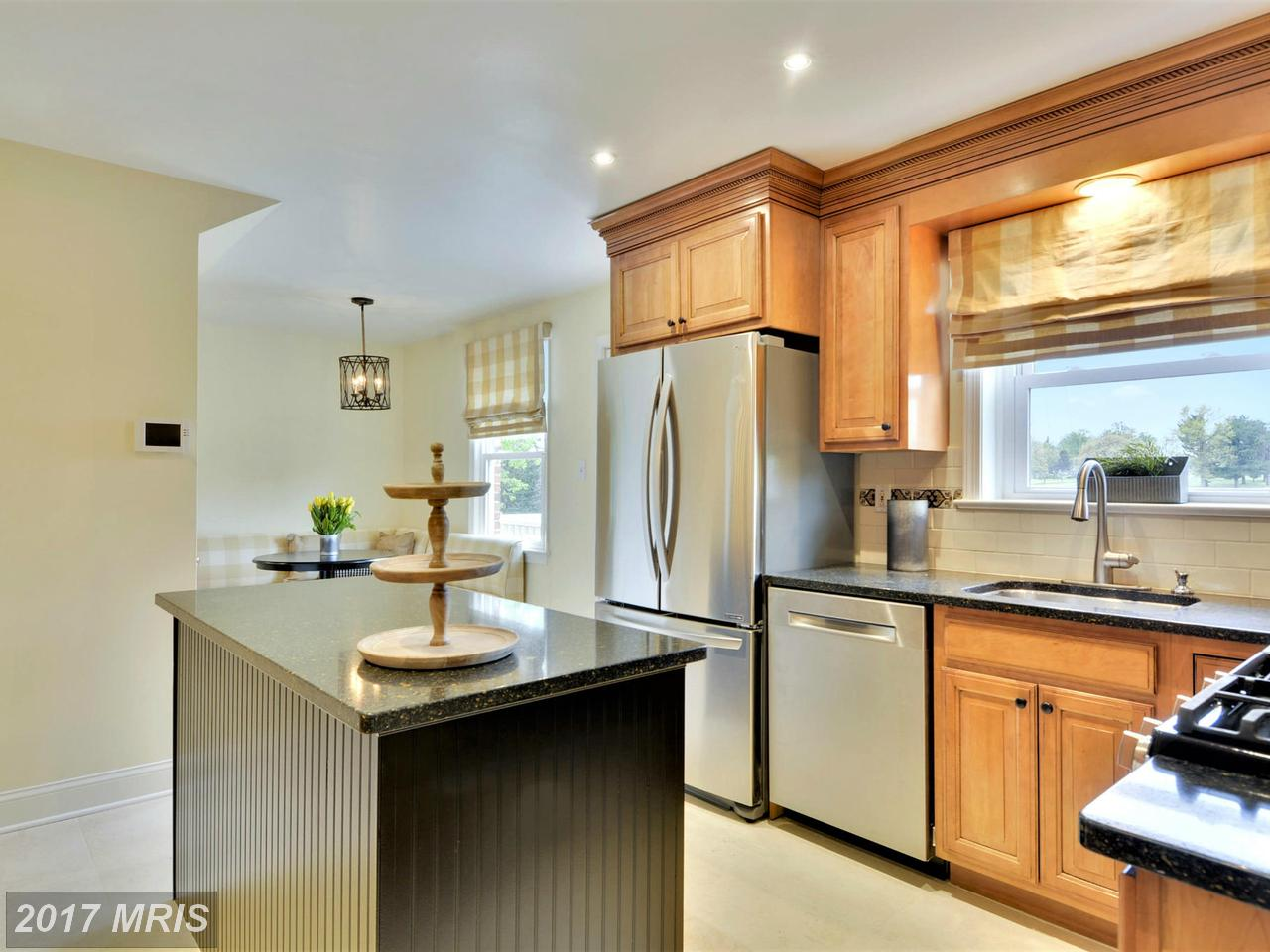 Additional photo for property listing at Colonial, Detached - CHEVY CHASE, MD 6420 GARNETT DR Chevy Chase, 馬里蘭州,20815 美國