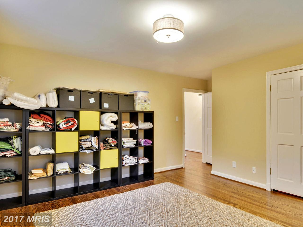 Additional photo for property listing at Colonial, Detached - CHEVY CHASE, MD 6420 GARNETT DR Chevy Chase, メリーランド,20815 アメリカ合衆国