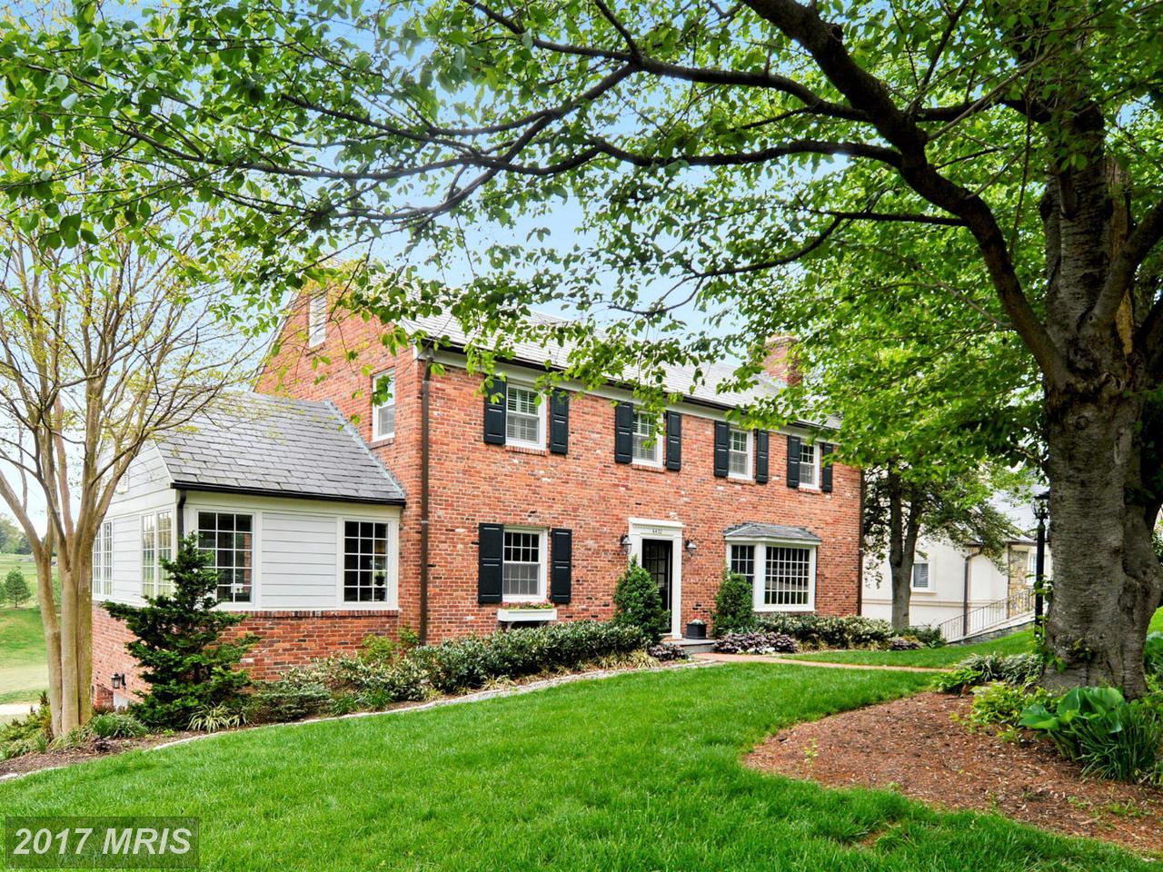 Частный дом для того Продажа на Colonial, Detached - CHEVY CHASE, MD 6420 GARNETT DR Chevy Chase, Мэриленд,20815 Соединенные Штаты