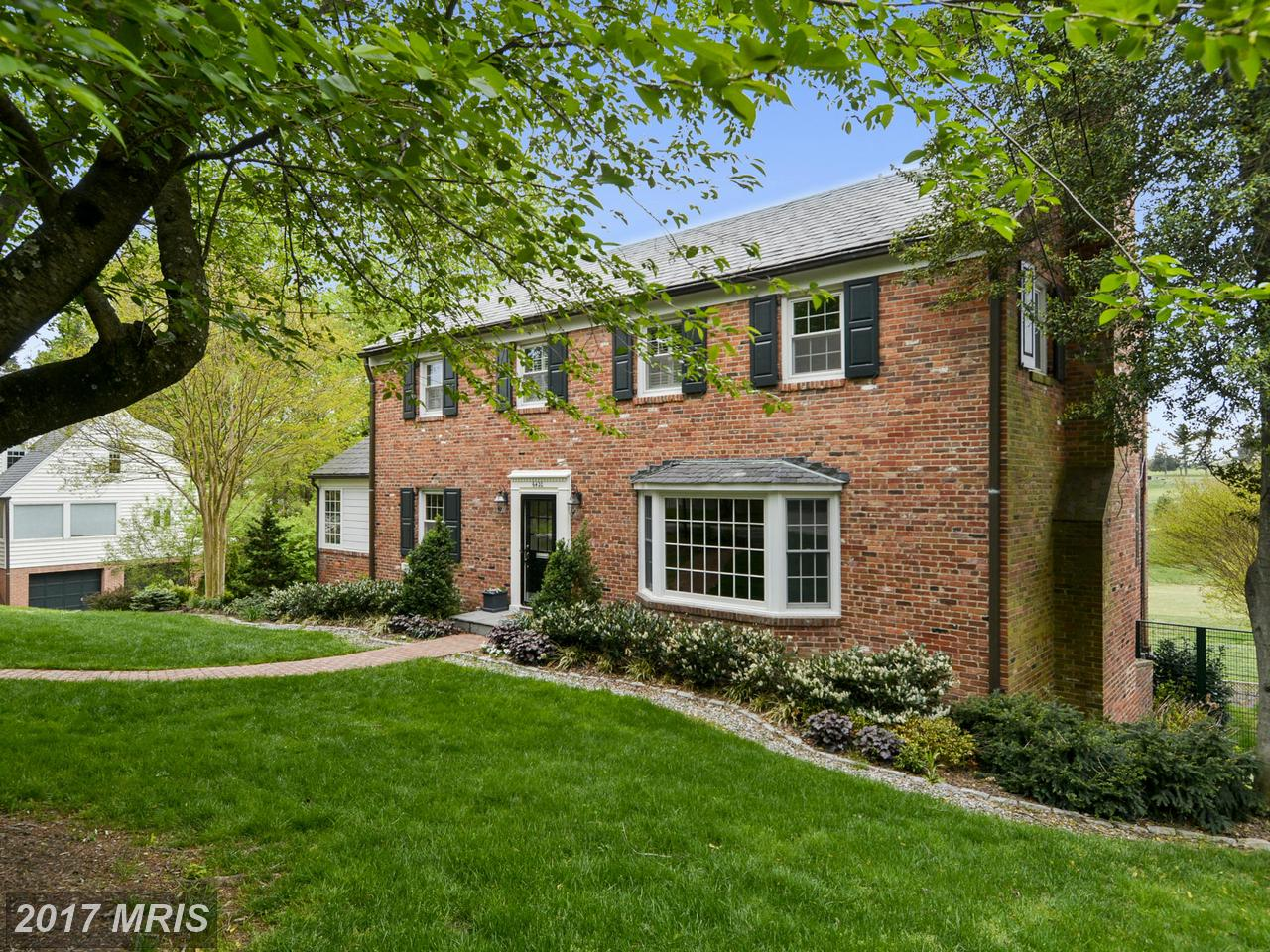 Additional photo for property listing at Colonial, Detached - CHEVY CHASE, MD 6420 GARNETT DR Chevy Chase, Мэриленд,20815 Соединенные Штаты