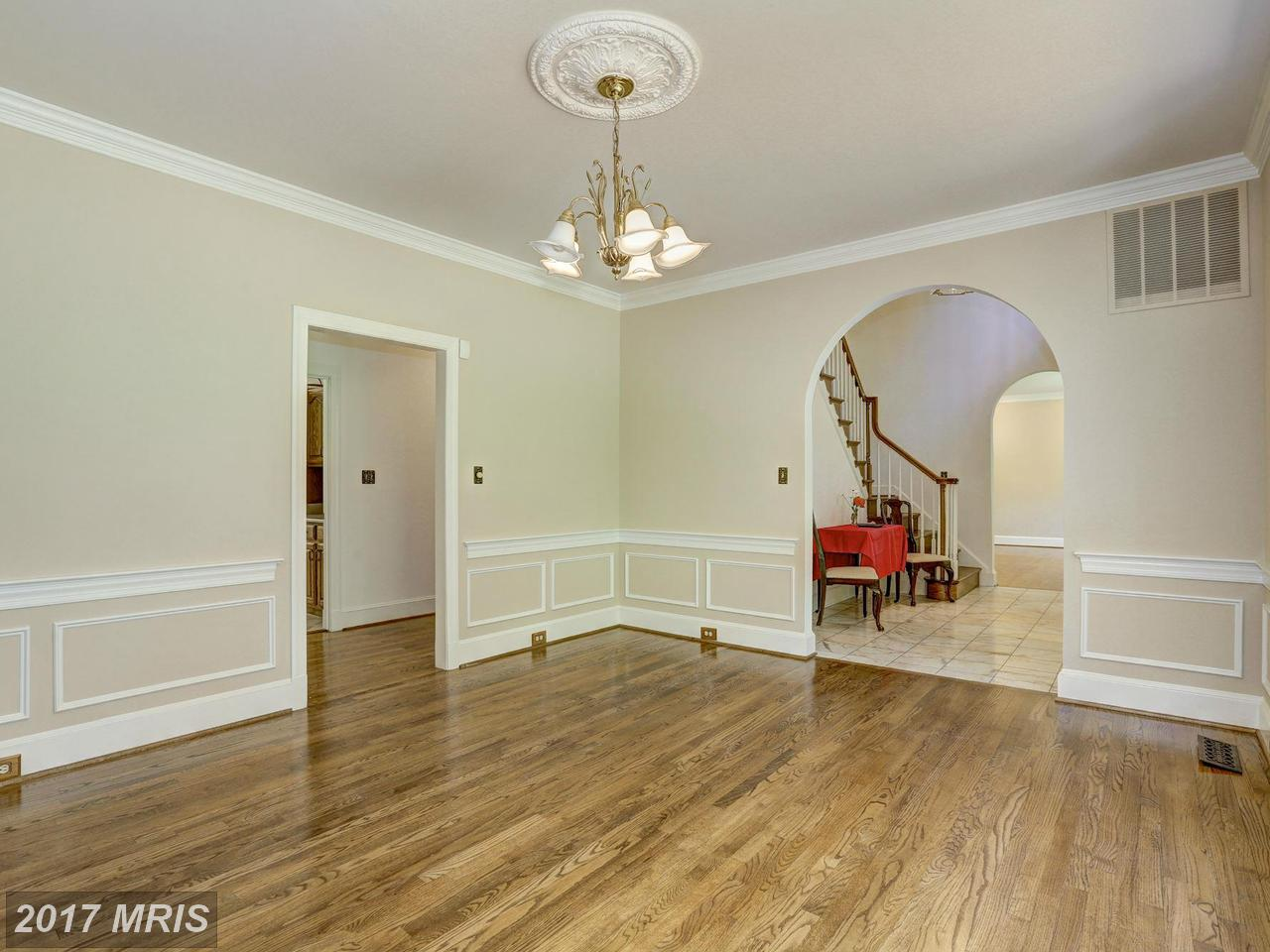 Additional photo for property listing at Colonial, Detached - POTOMAC, MD 12308 RIVERS EDGE DR Potomac, Maryland,20854 United States