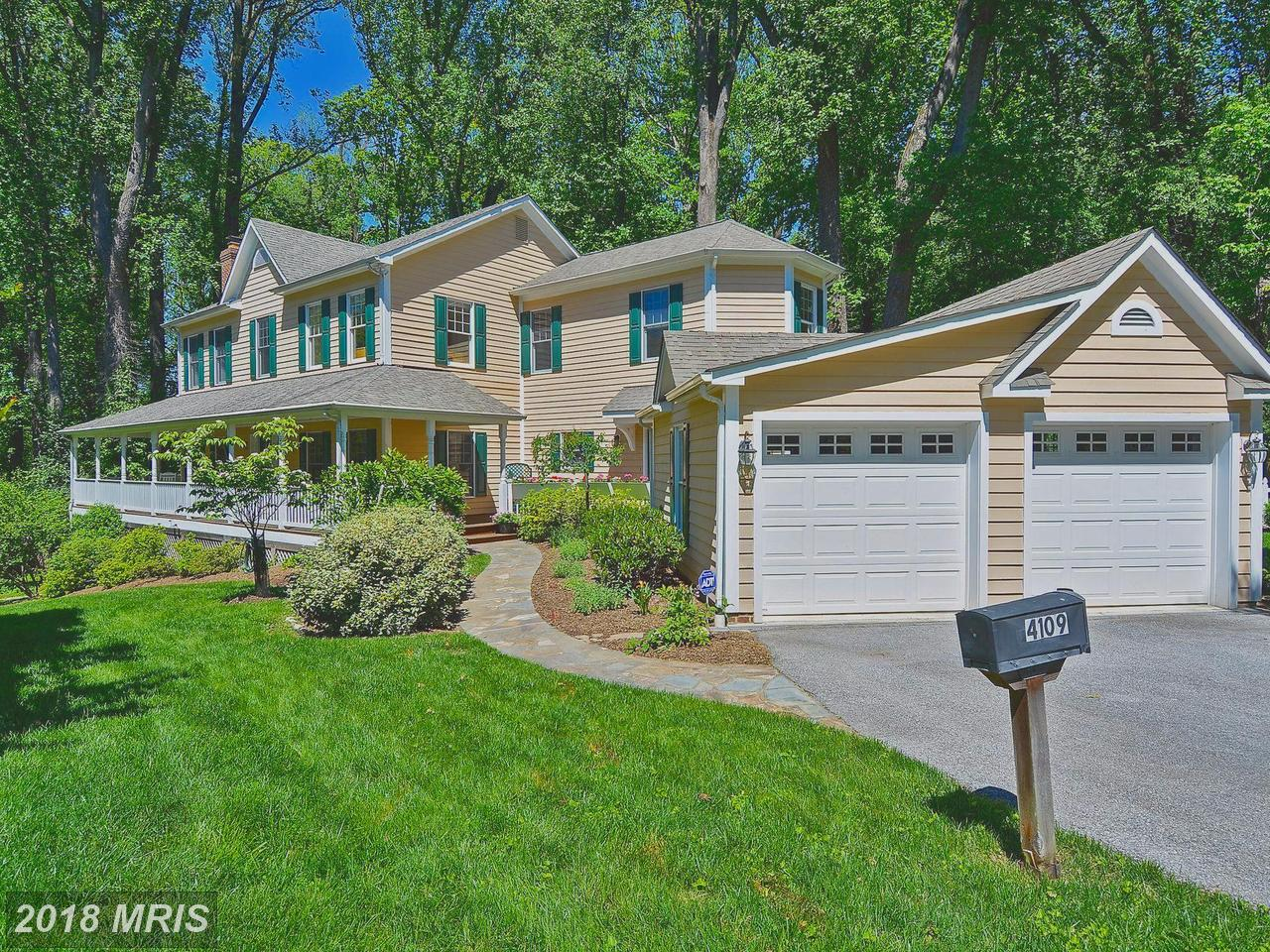 Additional photo for property listing at Colonial, Detached - CHEVY CHASE, MD 4109 JONES BRIDGE RD Chevy Chase, Maryland,20815 Stati Uniti