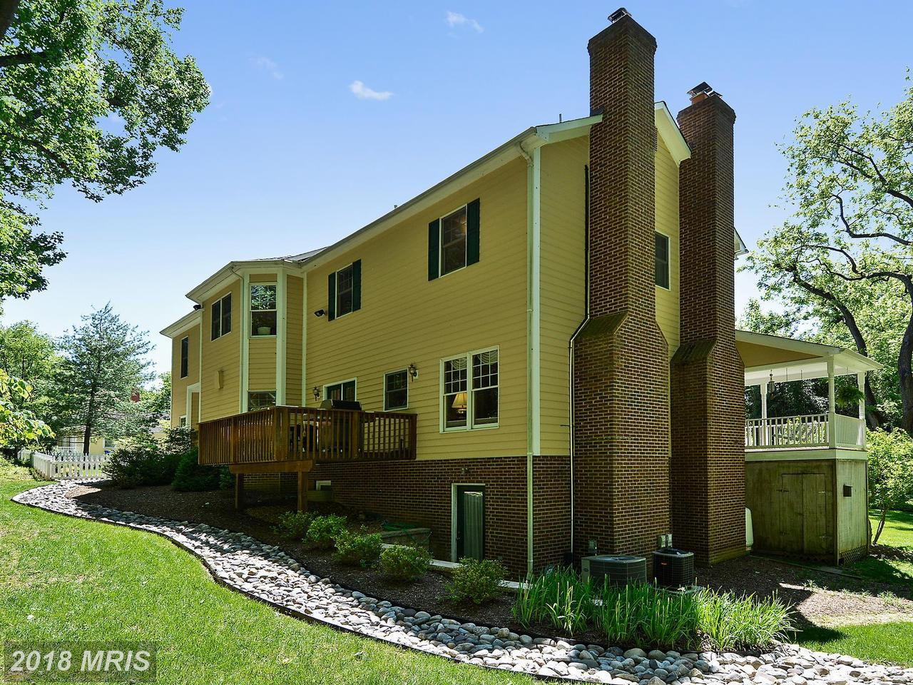 Additional photo for property listing at Colonial, Detached - CHEVY CHASE, MD 4109 JONES BRIDGE RD Chevy Chase, Maryland,20815 Verenigde Staten