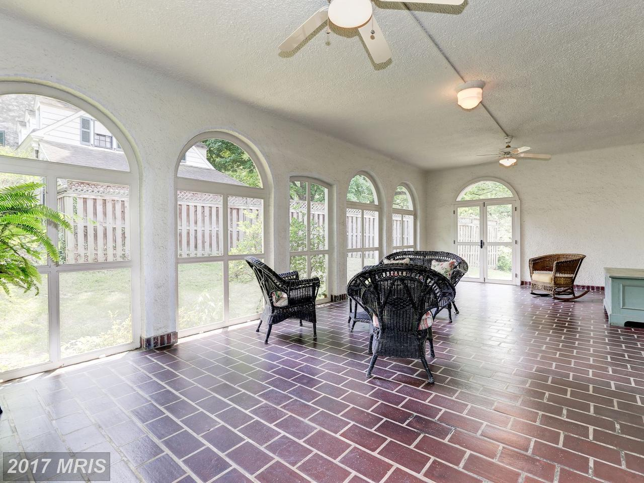 Additional photo for property listing at Detached, International - HAGERSTOWN, MD 951 THE TERRACE Hagerstown, Maryland,21742 Estados Unidos
