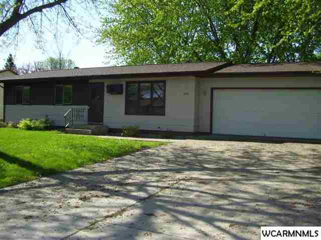 1012 Irene Ave SE, Willmar, MN 56201