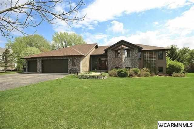 307 Country Club Dr NE, Willmar, MN 56201