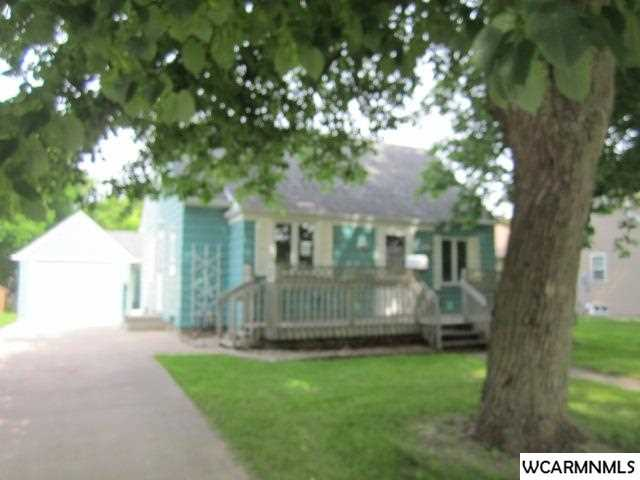 606 4th St S, St James, MN 56081
