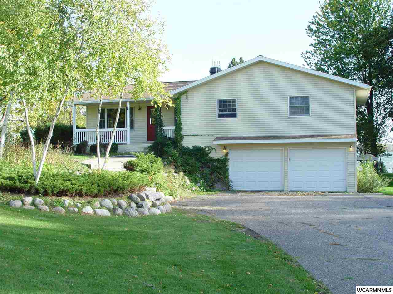 2509 Country Club Dr NE, Willmar, MN 56201