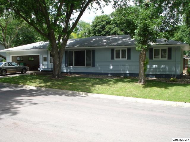 104 W Christina St, Fairmont, MN 56031
